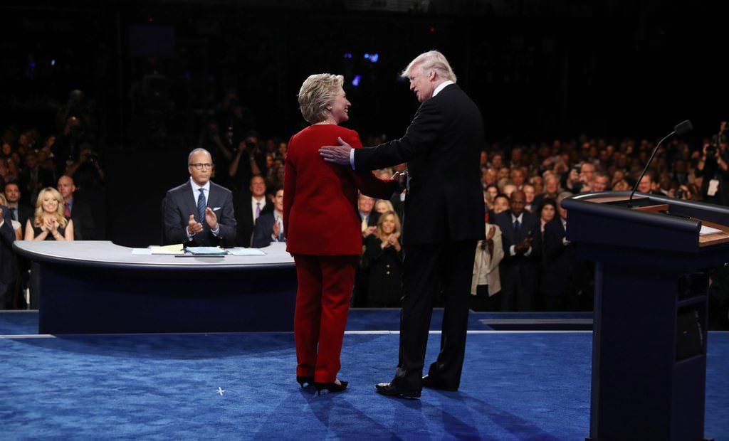 Clinton ile Trump kozlarını paylaştı