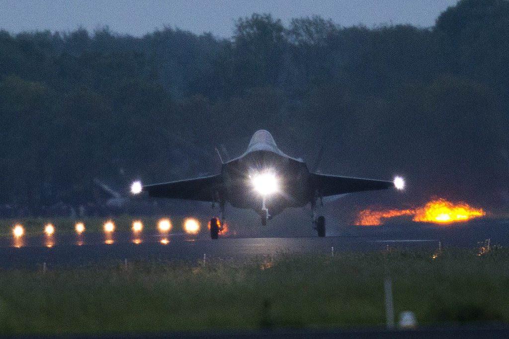 F-35 savaş uçakları test için Hollanda'da