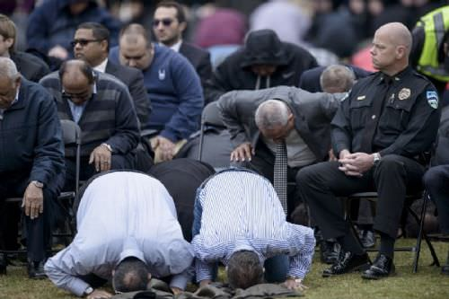 Öldürülen ABD'li Müslümanların cenaze namazı kılındı