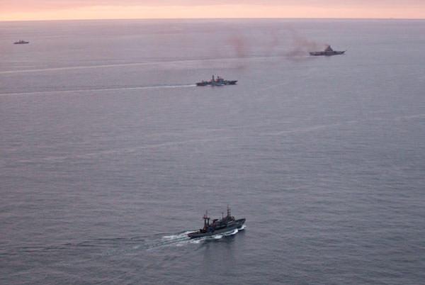 Rus filosu alarma yol açtı!