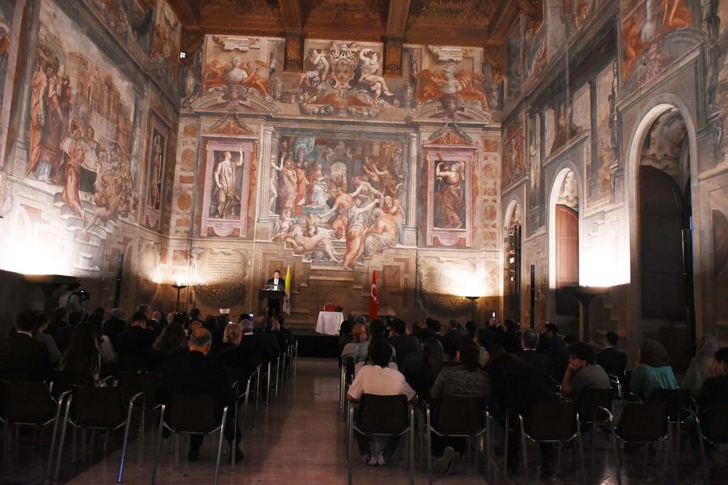 Vatikan'a ait sarayda Kur'an ve ezan okundu, iftar yapıldı