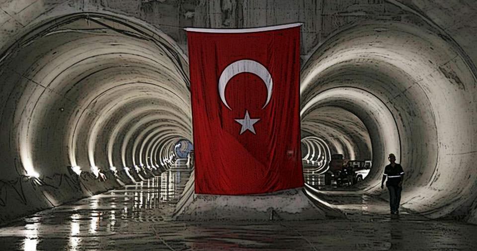 180 yıllık köprü İstanbul'a veda ediyor