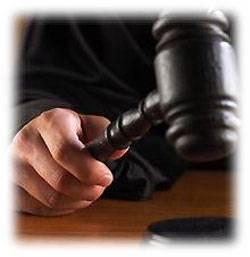 Суд дозволив продавати цигарки та алкоголь біля закладів освіти.