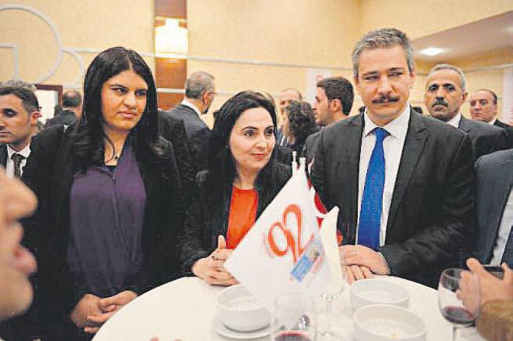 CHP, HDP ve Muhalif MHP Cumhuriyet'ın korsan resepsiyonunda!