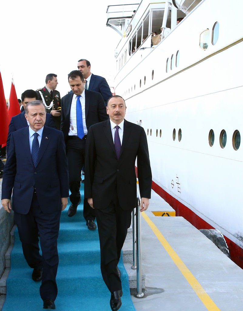 Cumhurbaşkanı Erdoğan'dan liderler onuruna yemek