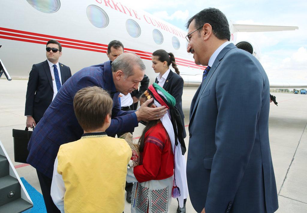 Erdoğan 2. Ordu Komutanlığı'nı ziyaret etti