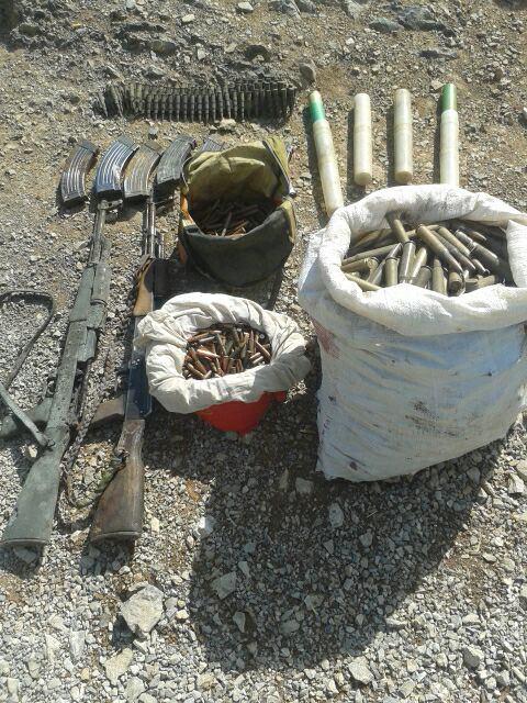 Hakkari'de 2 terörist cesedi ile çok sayıda mühimmat bulundu