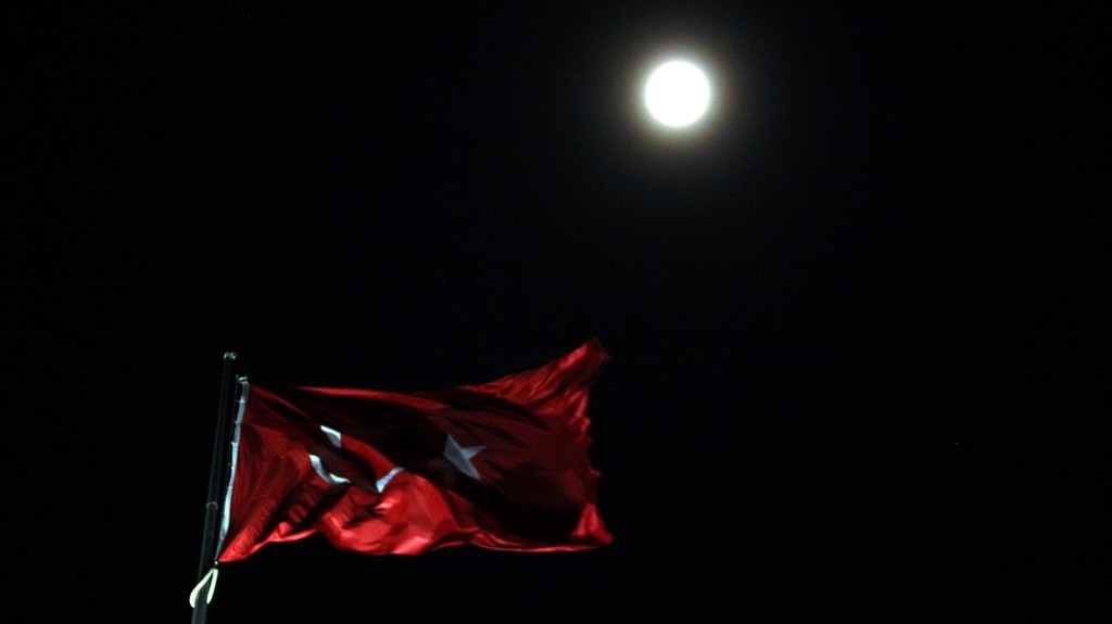 İşte dünyanın arşivlediği Süper Ay görüntüleri
