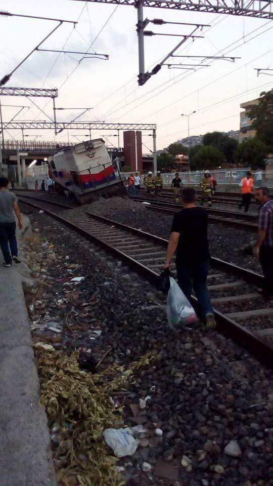 İzmir'de tren kazası