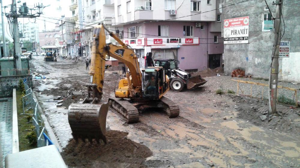 Kayyum atana Cizre belediyesi hizmetleri hızlandırdı