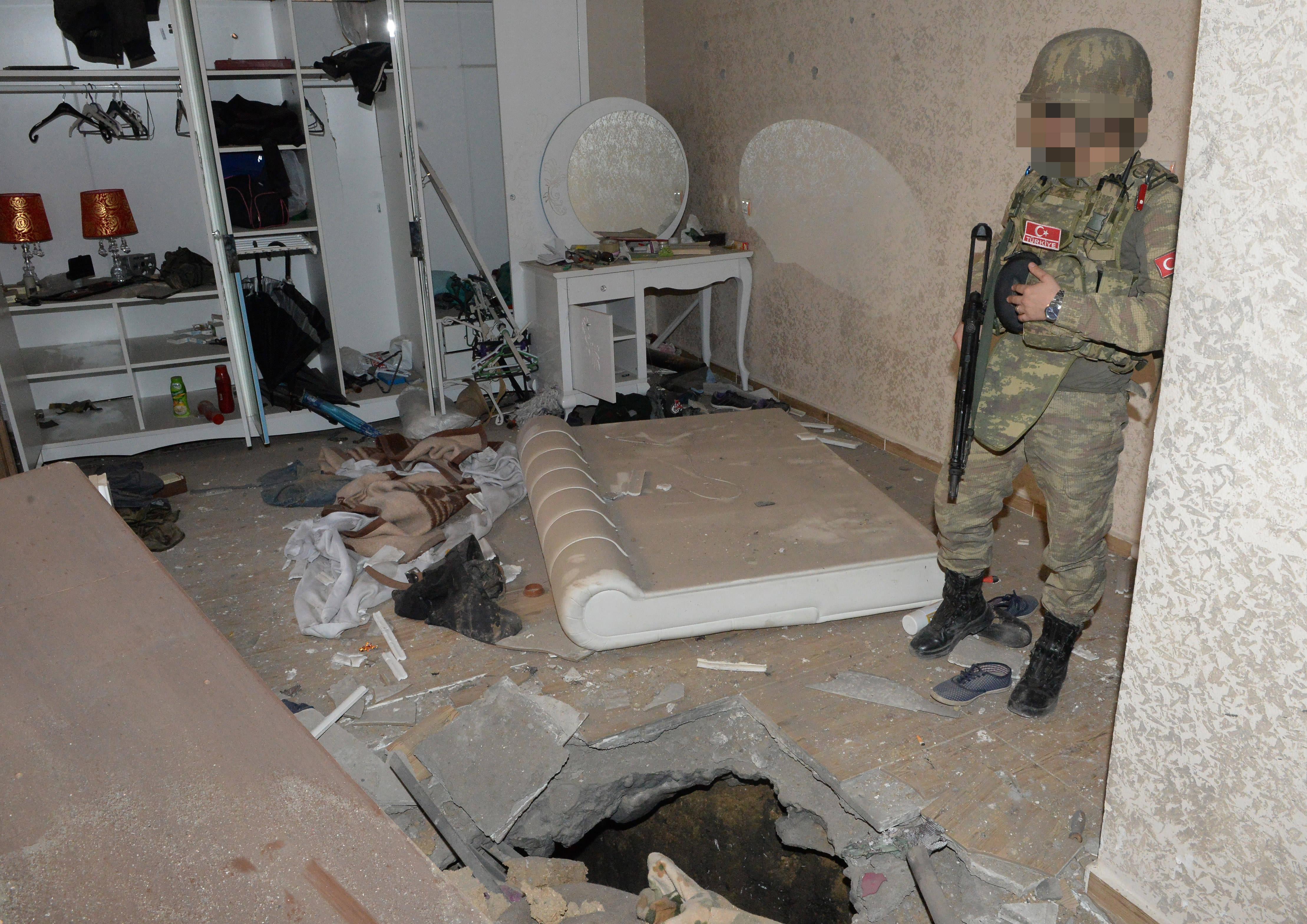"""PKK'nın Şırnak'taki 3 """"karargah""""ı bulundu"""