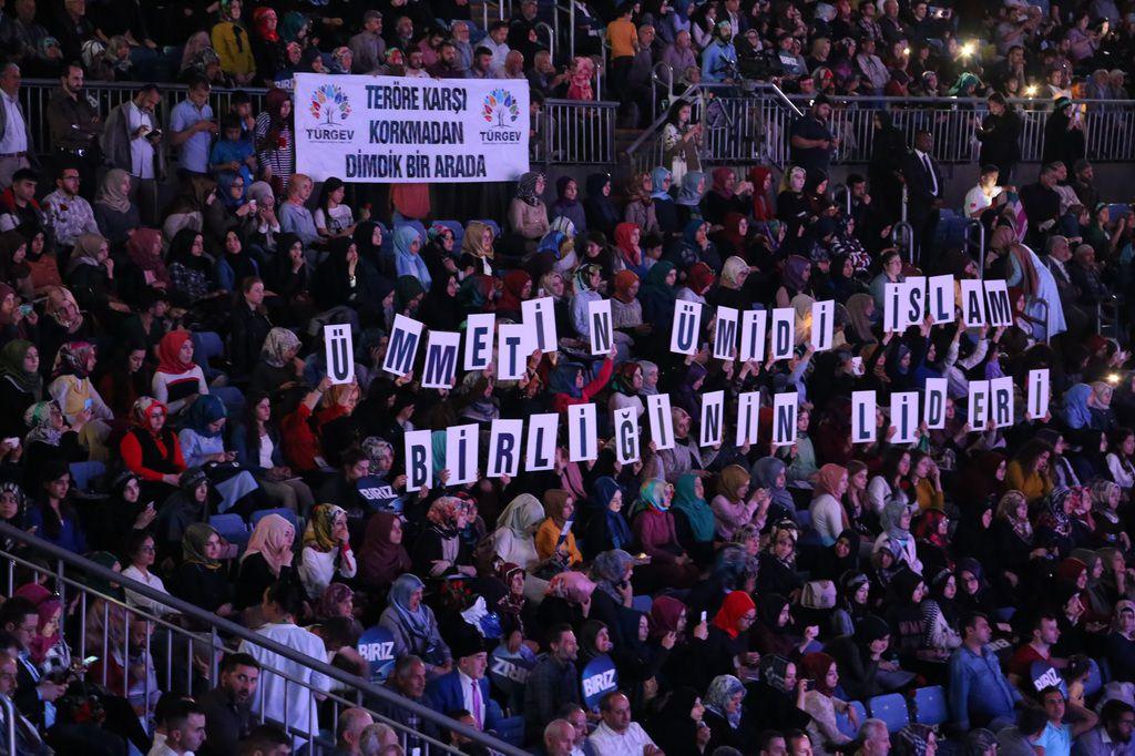 TÜRGEV'den kardeşlik mesajı