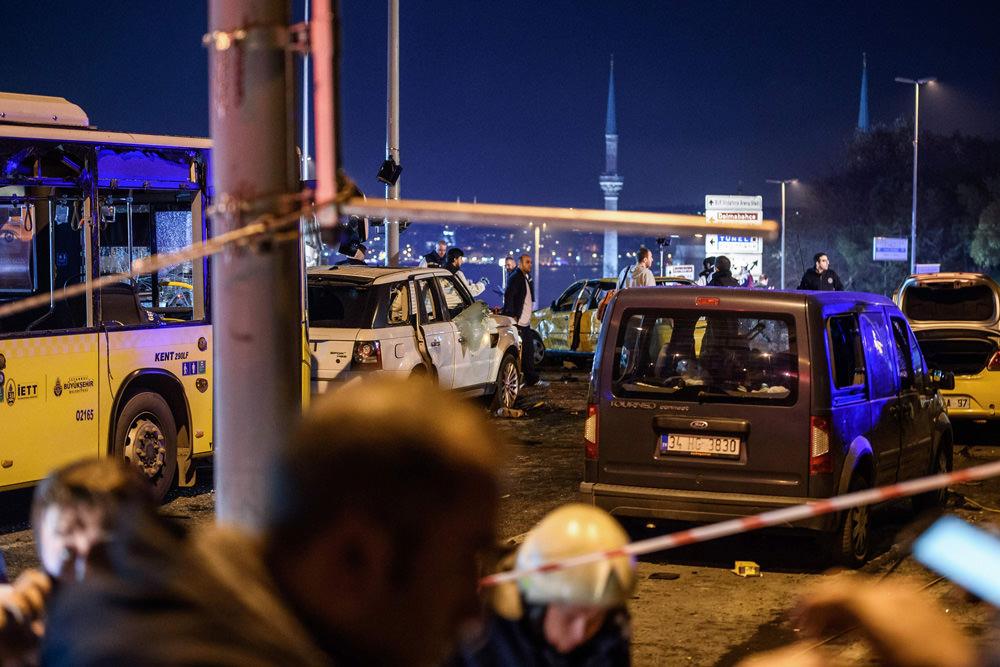Beşiktaş'taki hain terör saldırısına ünlü isimlerden tepki