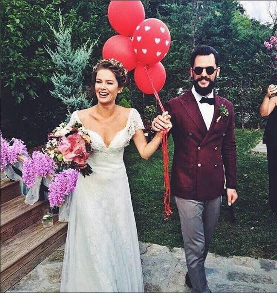 Burcu Biricik ile Emre Yetkin evlendi