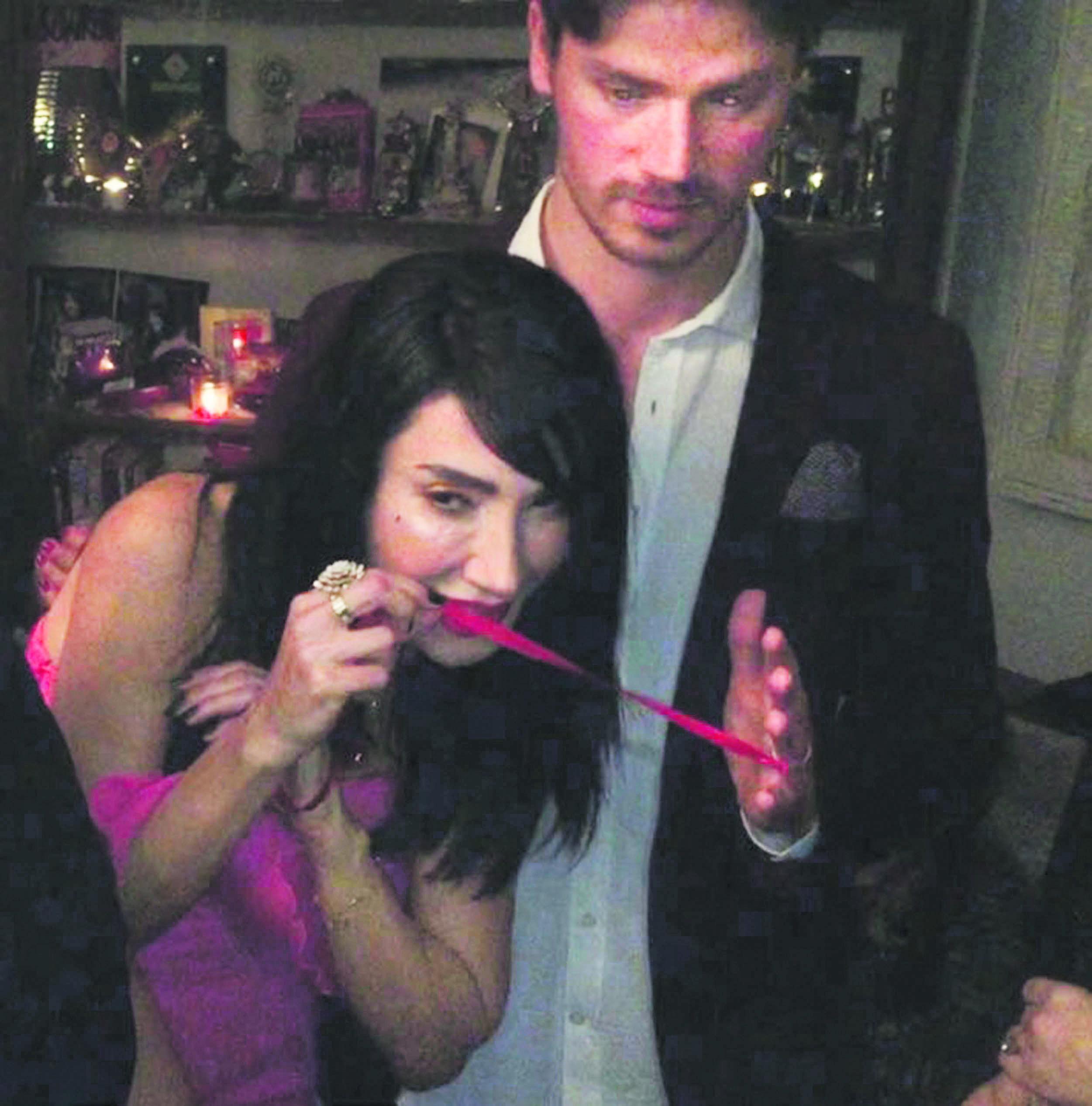 İşte Hande Yener ile Ümit Cem Şenol'un mutlu gününden kareler