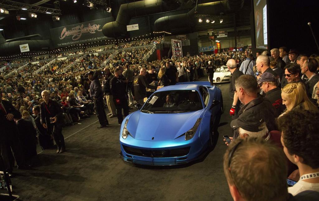Justin Bieber Ferrari'sini açık artırmada sattı