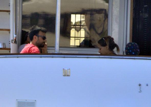 Tarkan ve eşi Pınar Dilek balayına çıktı