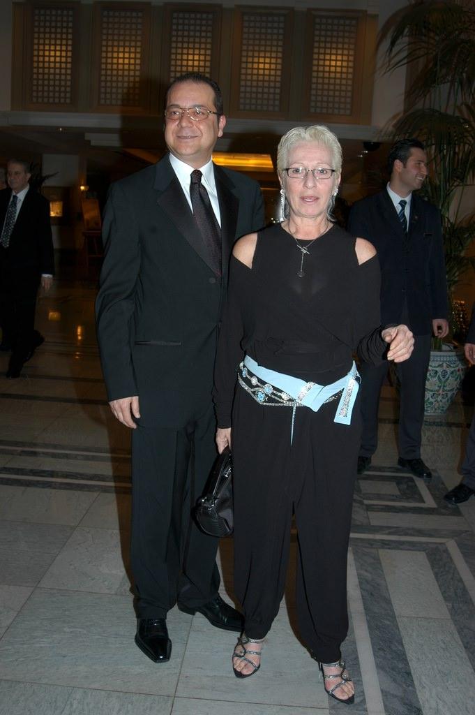 Ünlü modacıyı 58 yaşındaki eşi aldattı!