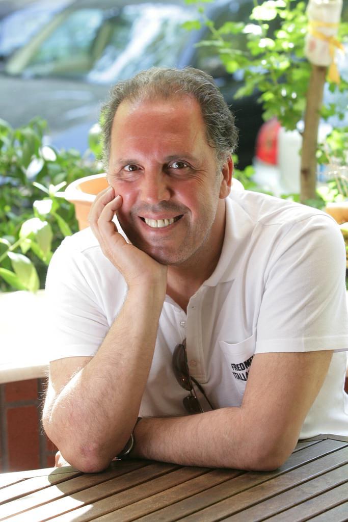 Usta müzisyen Fatih Erkoç, lenf kanseri olduğunu açıkladı