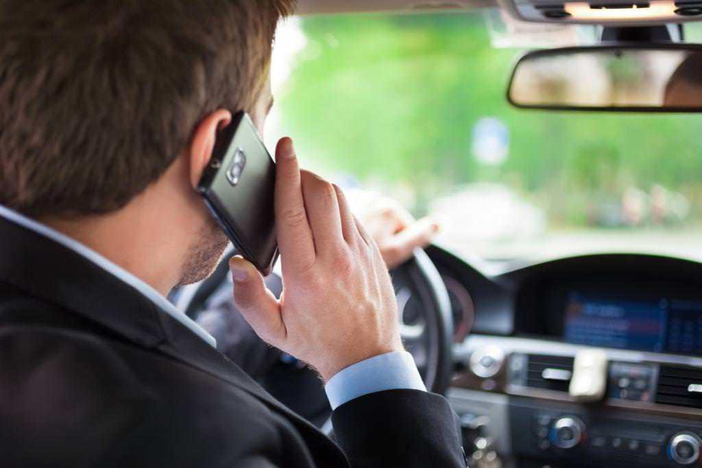 Araç kullanırken telefonla konuşunca bunlar oluyor!