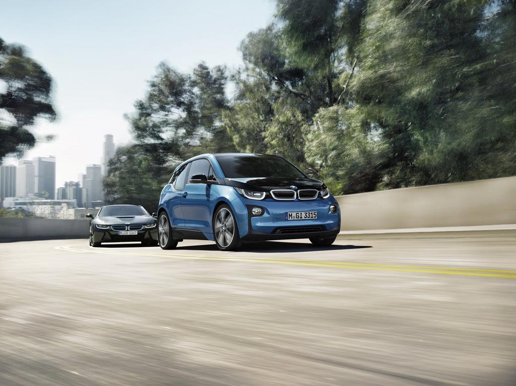 BMW, ikinci nesil i3'ün müjdesini verdi.