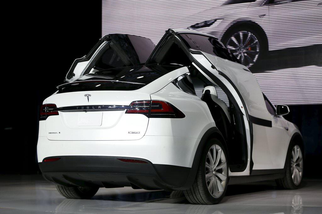 Tesla X satışa çıkıyor