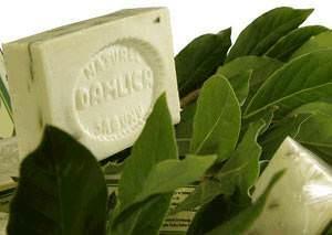 sabun d Defne yaprağının faydaları