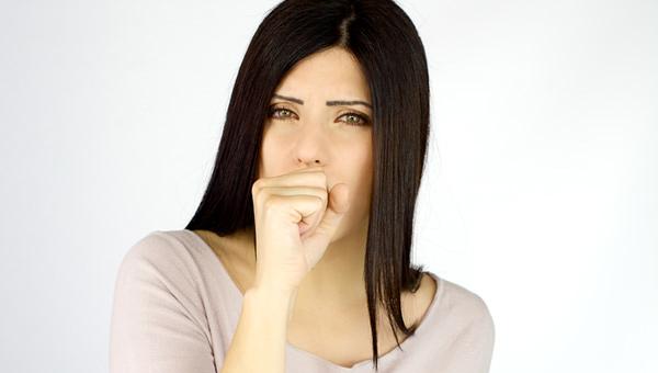 Geçmeyen öksürüğün altında yatan etken midenizdeki o problem olabilir!