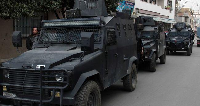 Adana polisi o mahalleye böyle girdi