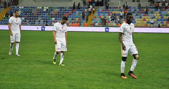 Selçuk İnan'dan Sneijder için şok sözler