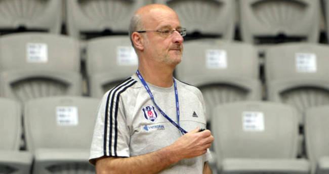 Beşiktaş'ın eski hocası trafik kazası geçirdi