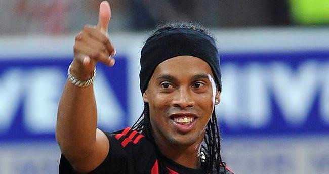 Bursaspor Ronaldinho'yu istedi