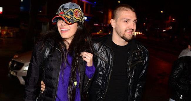 Caner Erkin ile Asena Erkin boşanmıyor