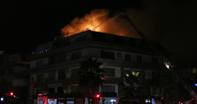 Emre Belözoğlu'nun babası ve Cavanda'nın oturduğu rezidansta yangın!