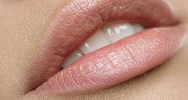 Evde yapabileceğiniz sağlıklı dudak balmları