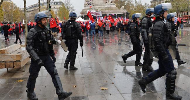 Fransa'da PKK'lı grup, mitinge katılanlara saldırdı!