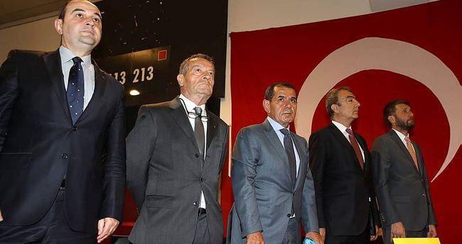 Genç teknik adam İstanbul'a geldi ve Galatasaray ile görüştü