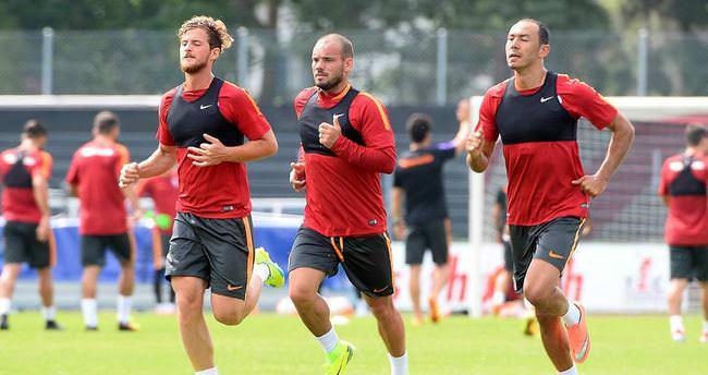 Galatasaraylı futbolculara sabah idmanı şoku!