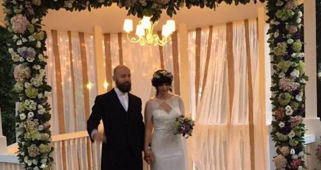 Hakan Özoğuz'un gecikmeli düğünü