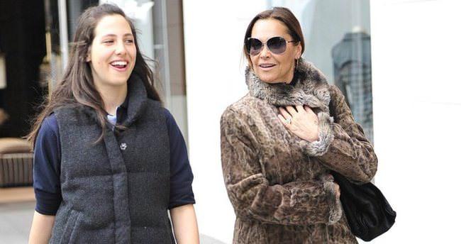 Hülya Avşar'ın kızı Zehra'ya aldığı hediyeler şaşkına çevirdi