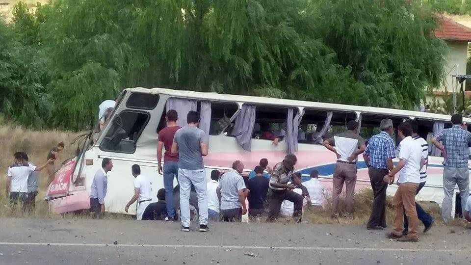 Kayseri'de otobüs devrildi: Çok sayıda yarlı var!