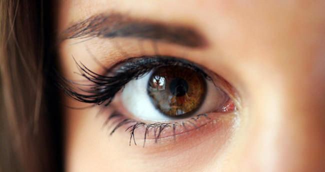 'Gözlerinizi istemli kırpın'