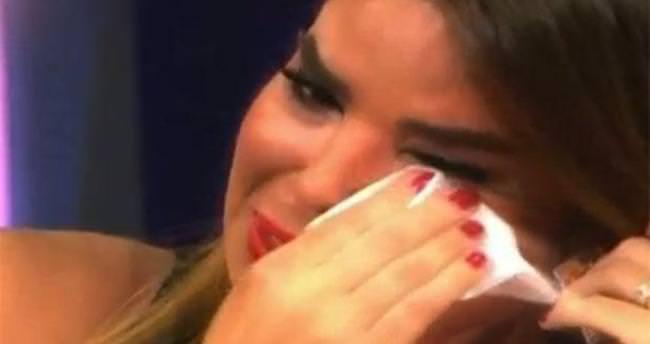 Özlem Yıldız gözyaşlarına boğuldu