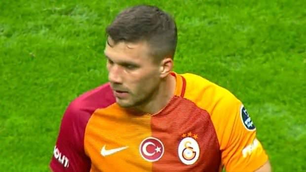 Podolski'nin formasında inanılmaz hata
