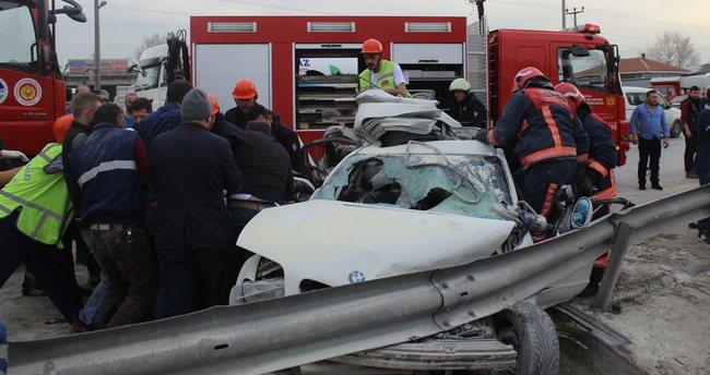 Sakarya'da feci kaza: 2 ölü