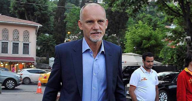 Galatasaray'ın efsane ismi Beşiktaş'a...