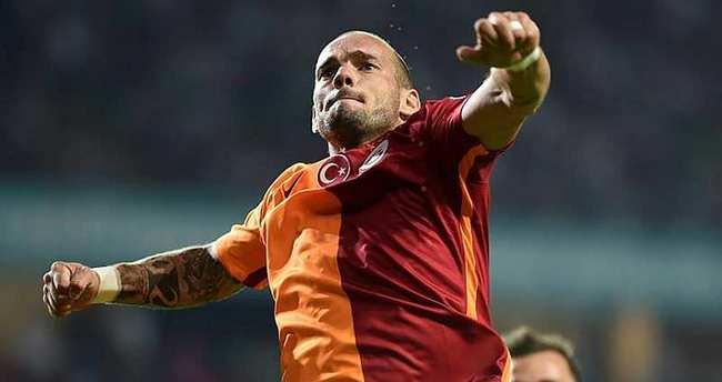 Sneijder'den yönetime: Bu resmen fiyasko