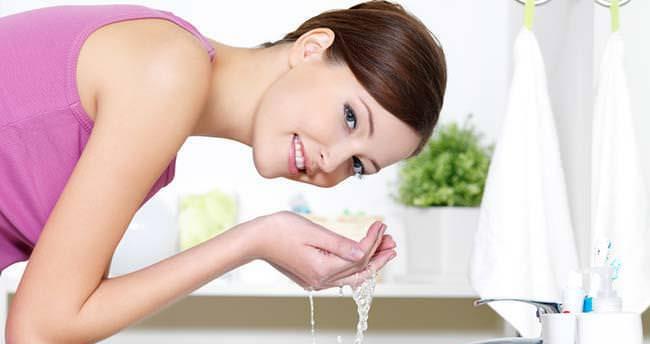 Yüzünüzü çok sık yıkamayın çünkü…