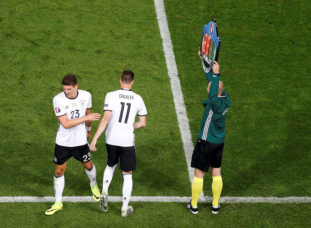 """Arsene Wenger: """"Emre Mor'u çok beğendim"""""""
