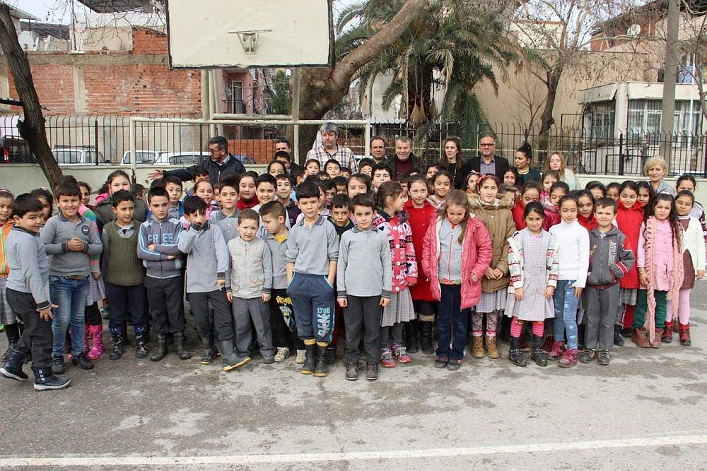 Beşiktaş'ın eski kalecisi Fevzi çocukları sevindirdi